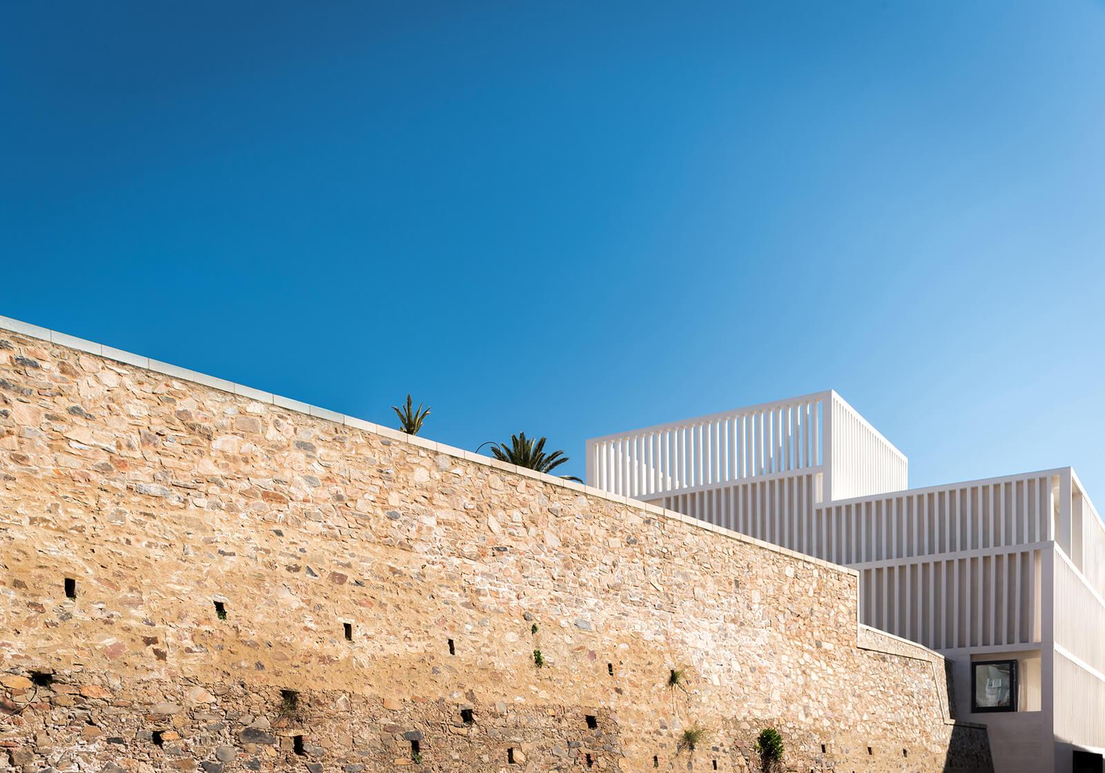Museo de Arte Contemporáneo Helga de Alvear  - 2 35