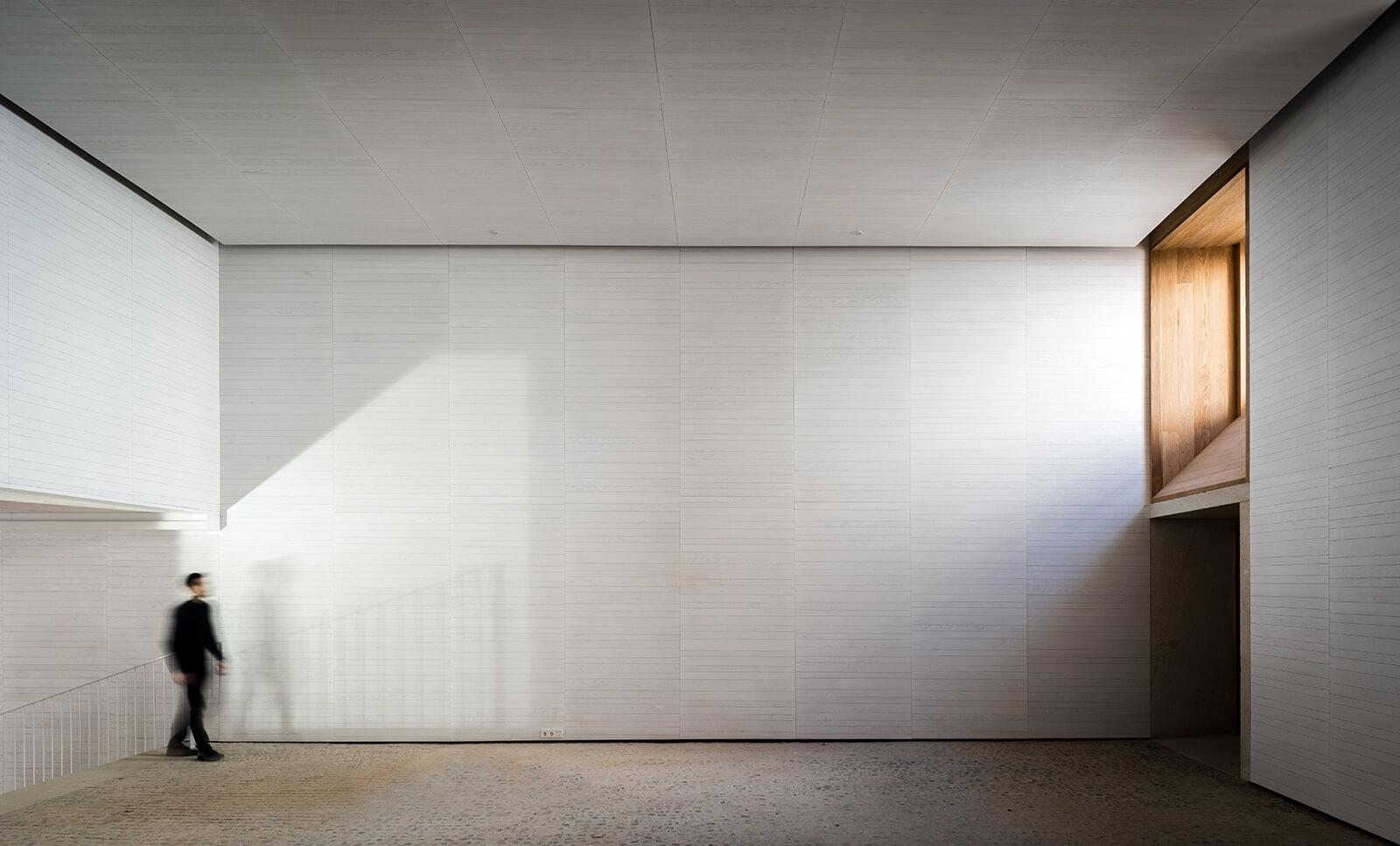Museo de Arte Contemporáneo Helga de Alvear  - 5 1 43