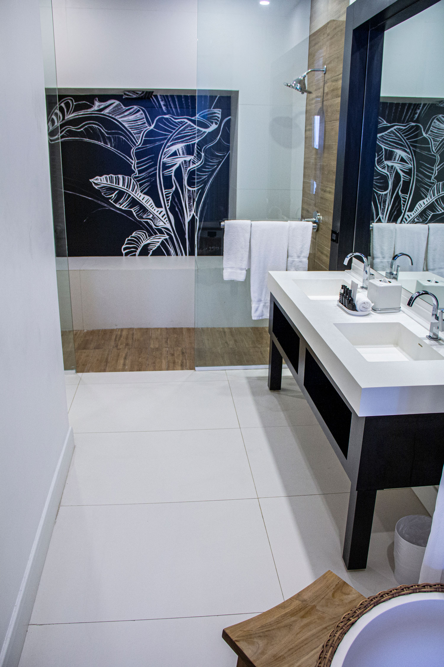 Spanish Court Jamaica  - Dekton Zenith Hotel Jamaica S Flooring3 54