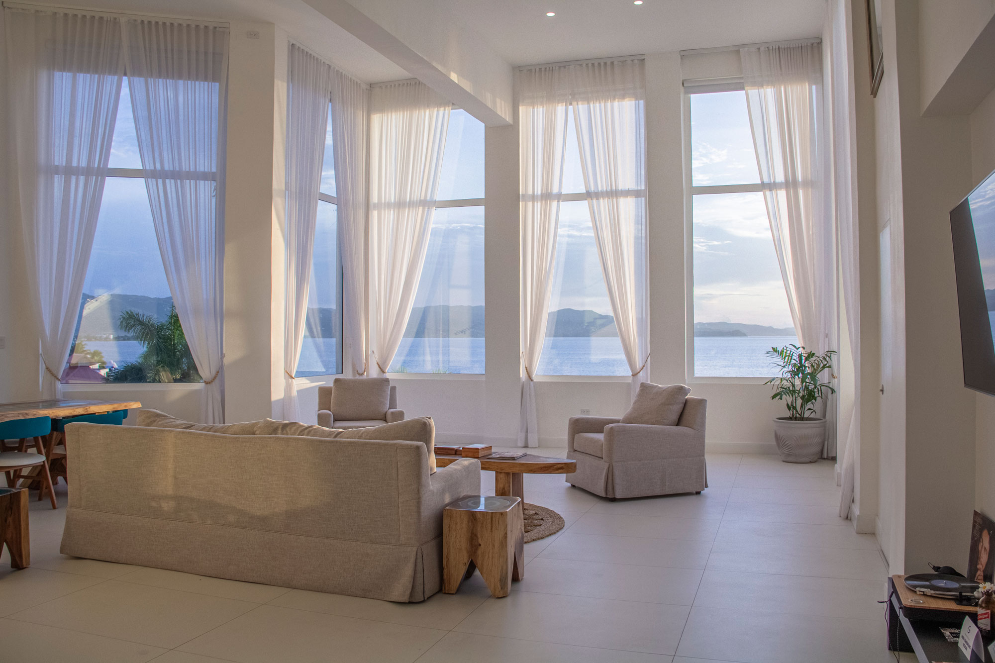 Spanish Court Jamaica  - Dekton Zenith Hotel Jamaica S Flooring4 52