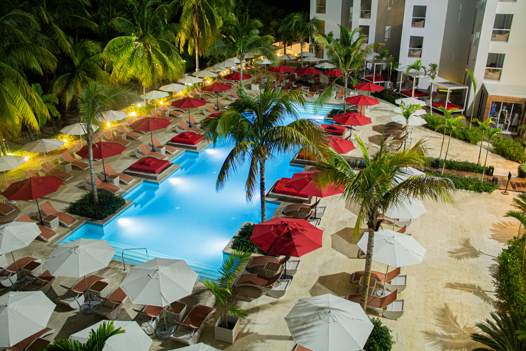Spanish Court Jamaica  - Natural Stone Caliza Alba Hotel Jamaica S Pool1 59
