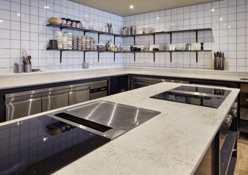 Foxx Spazio  - Vanderlyle restaurant Dekton 7 38