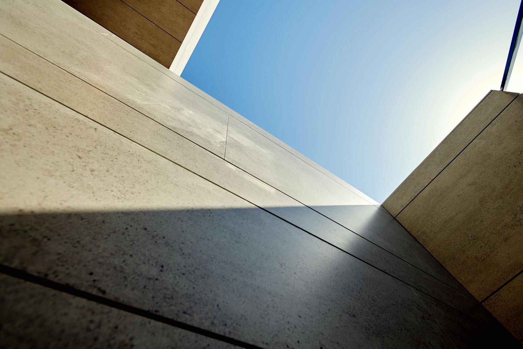 LD Sevilla  - cosentino 105 fachada recursoDSC 9837 51
