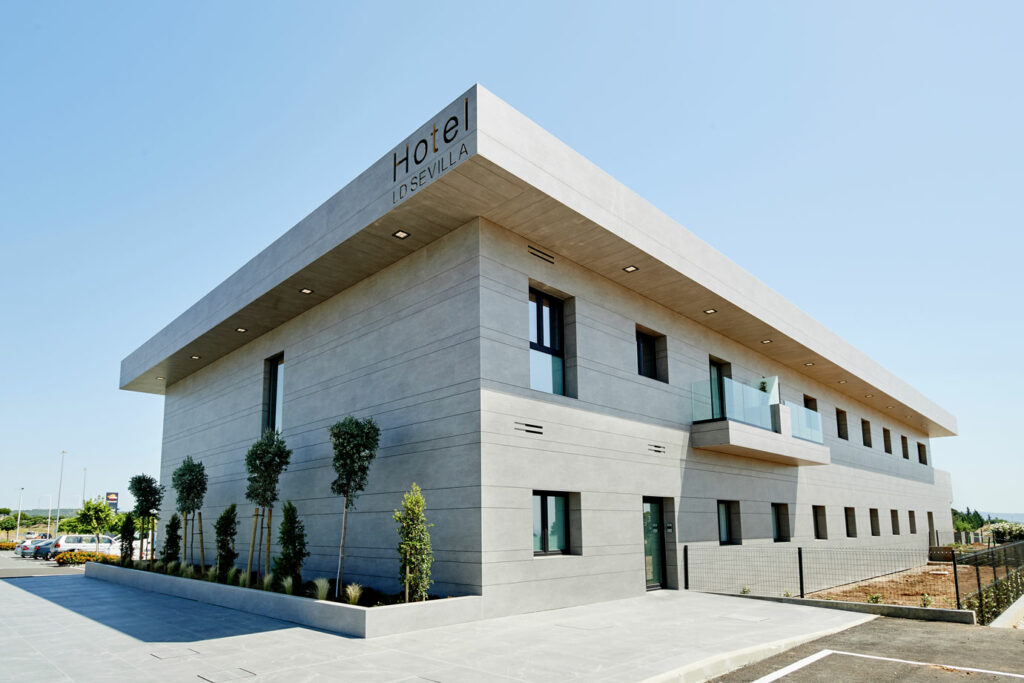 LD Sevilla  - cosentino 186 fachada frontal lateral DSC 0029 119