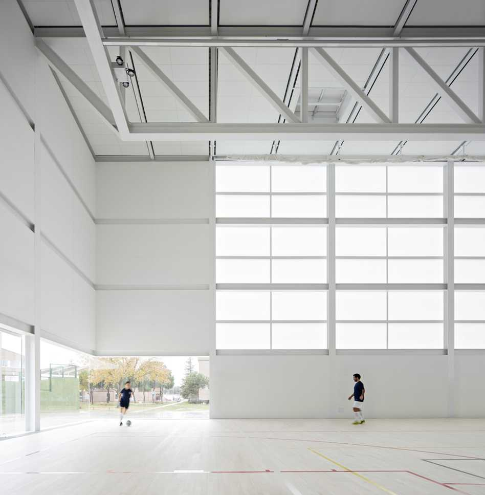 Multi-sport Pavilion and Classrooms Complex for UFV  - 06a 46