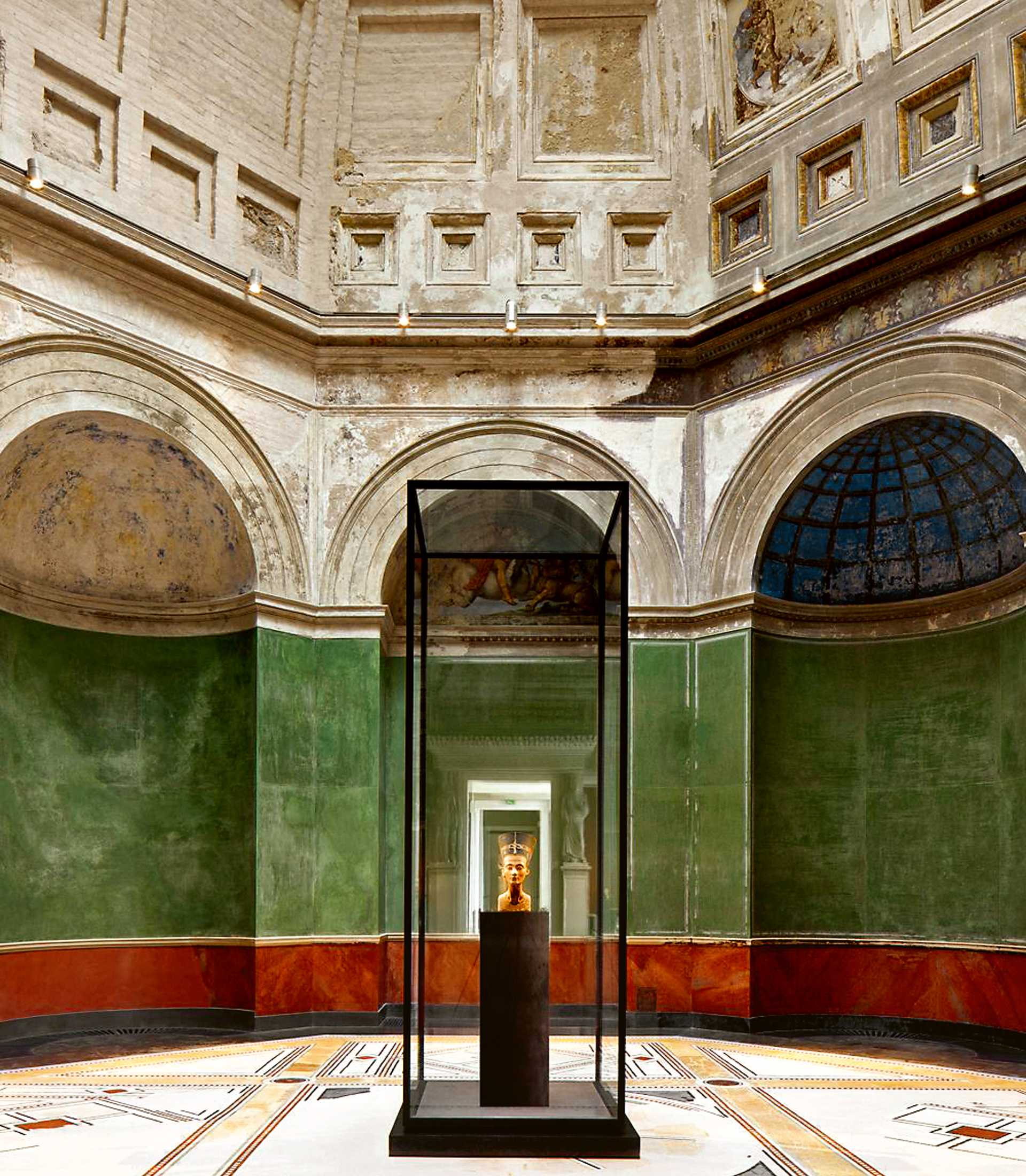 James Simon Galerie  - 12 4.2 38
