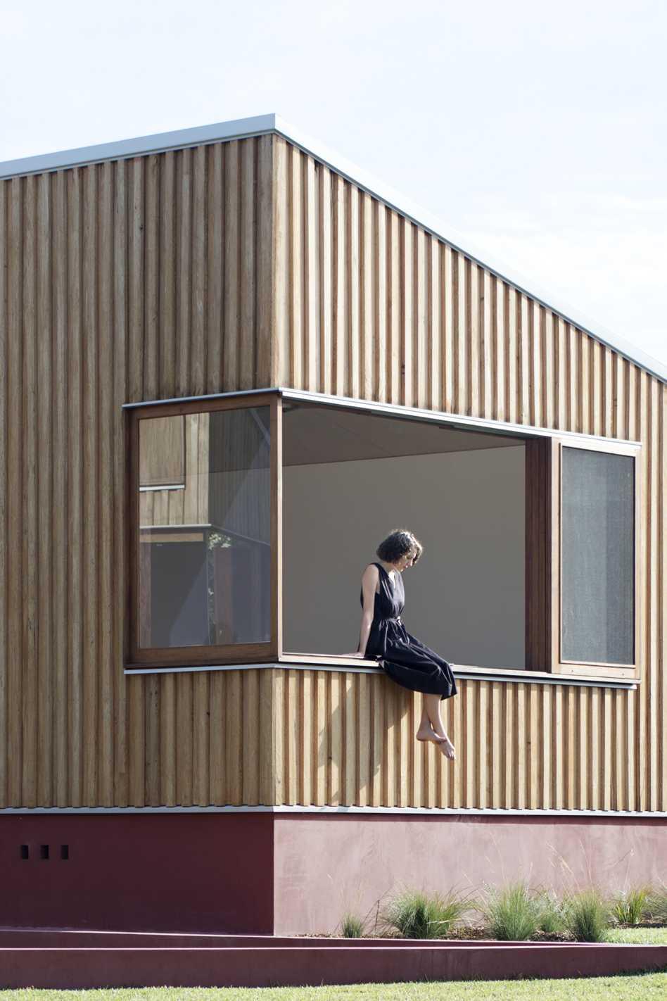 Three Piece House  - 16 2.1 33