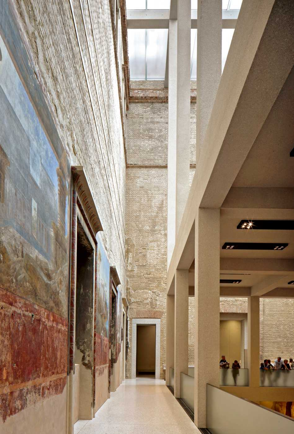 James Simon Galerie  - 17 3.2 36