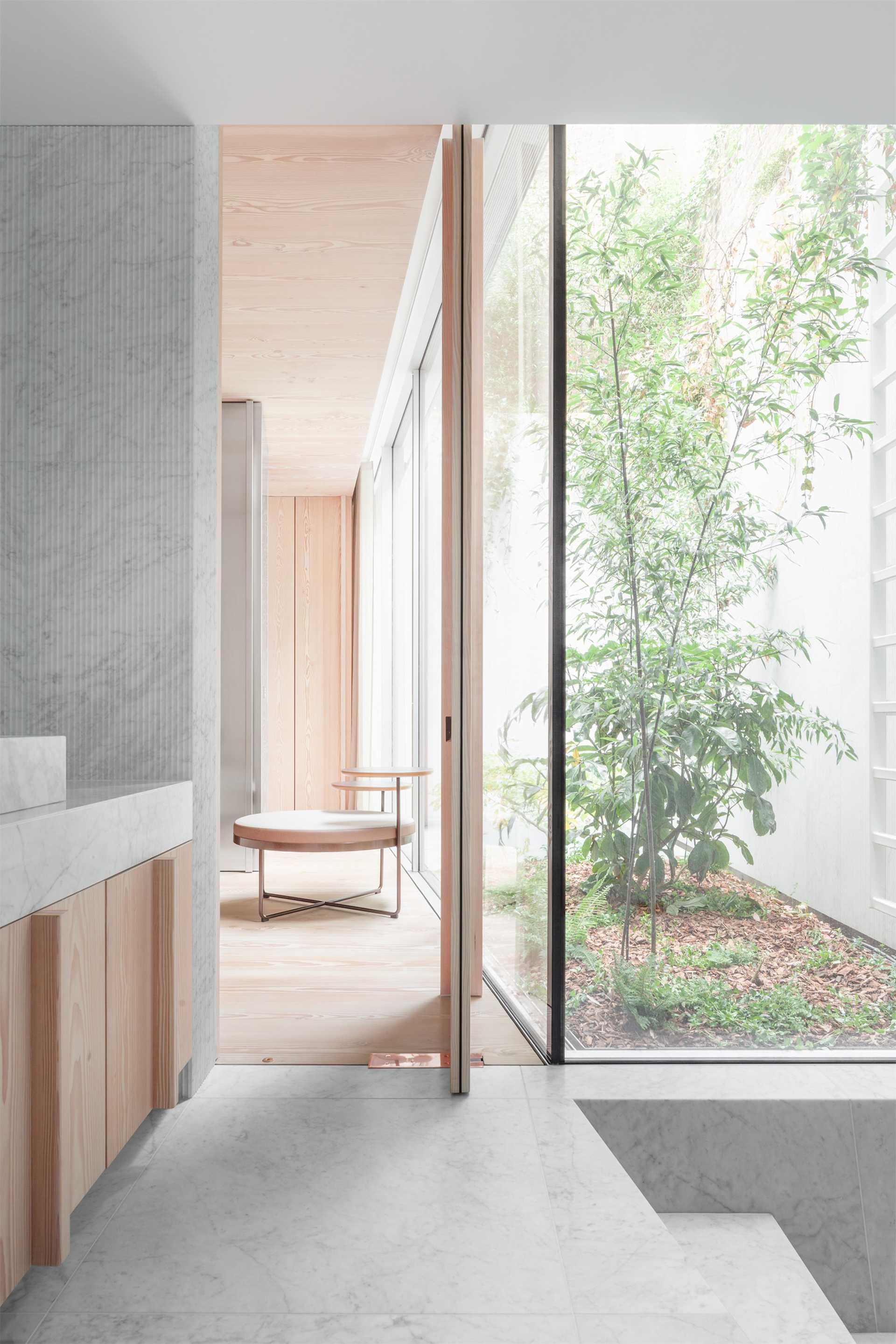 House in a Garden  - 39 8 45