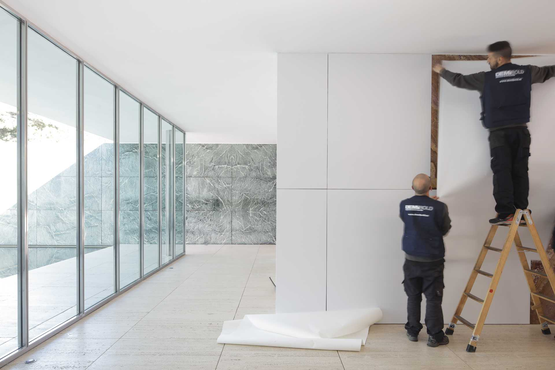 Mies Missing Materiality  - 43 06 36