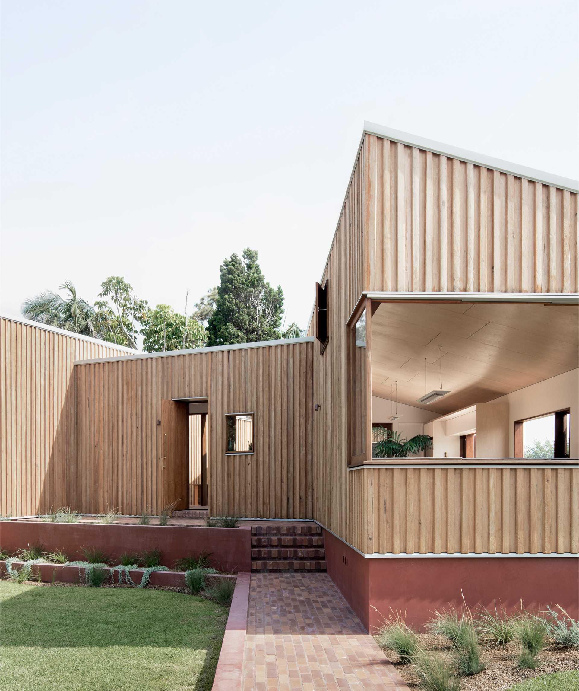 Three Piece House  - 43 1 31
