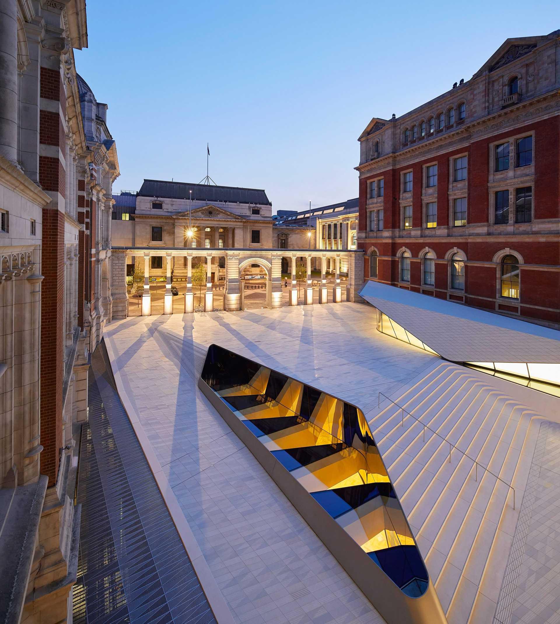 Victoria and Albert Museum  - 55 02 33