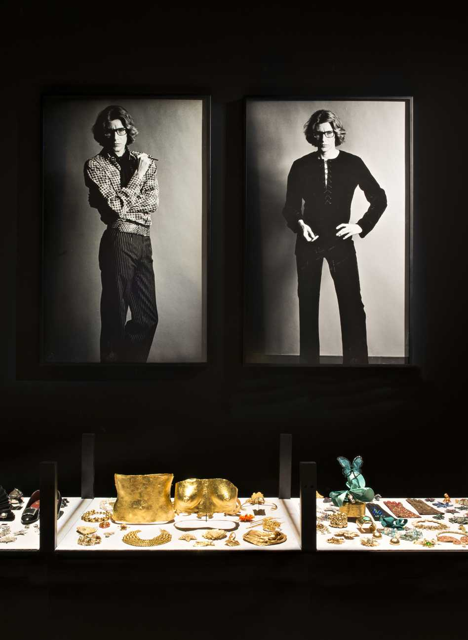 Museo Yves Saint-Laurent  - 58 04 37