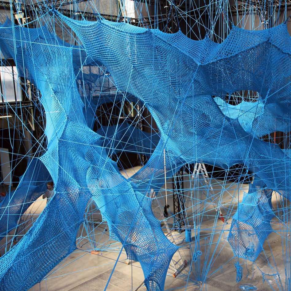 Aerial sculptures  - 71 03 36