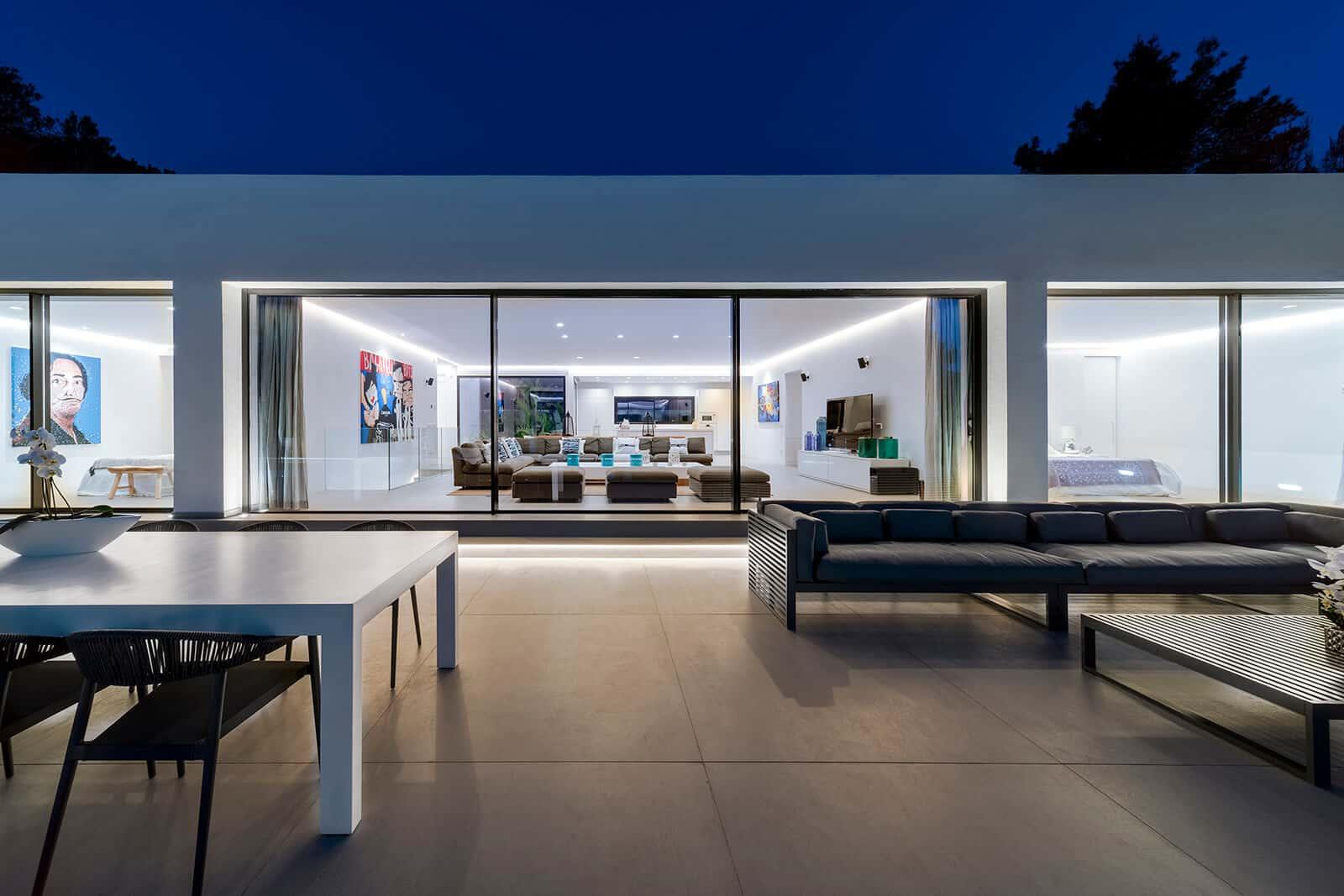 Villa Omnia  - 88 99 54