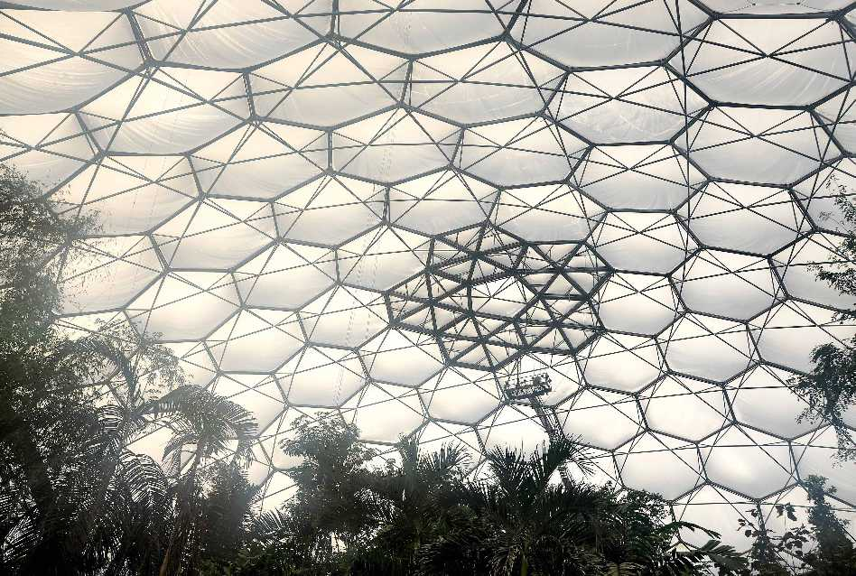 Inflatables Architectures  - Interior of tropical biome Eden Project 49
