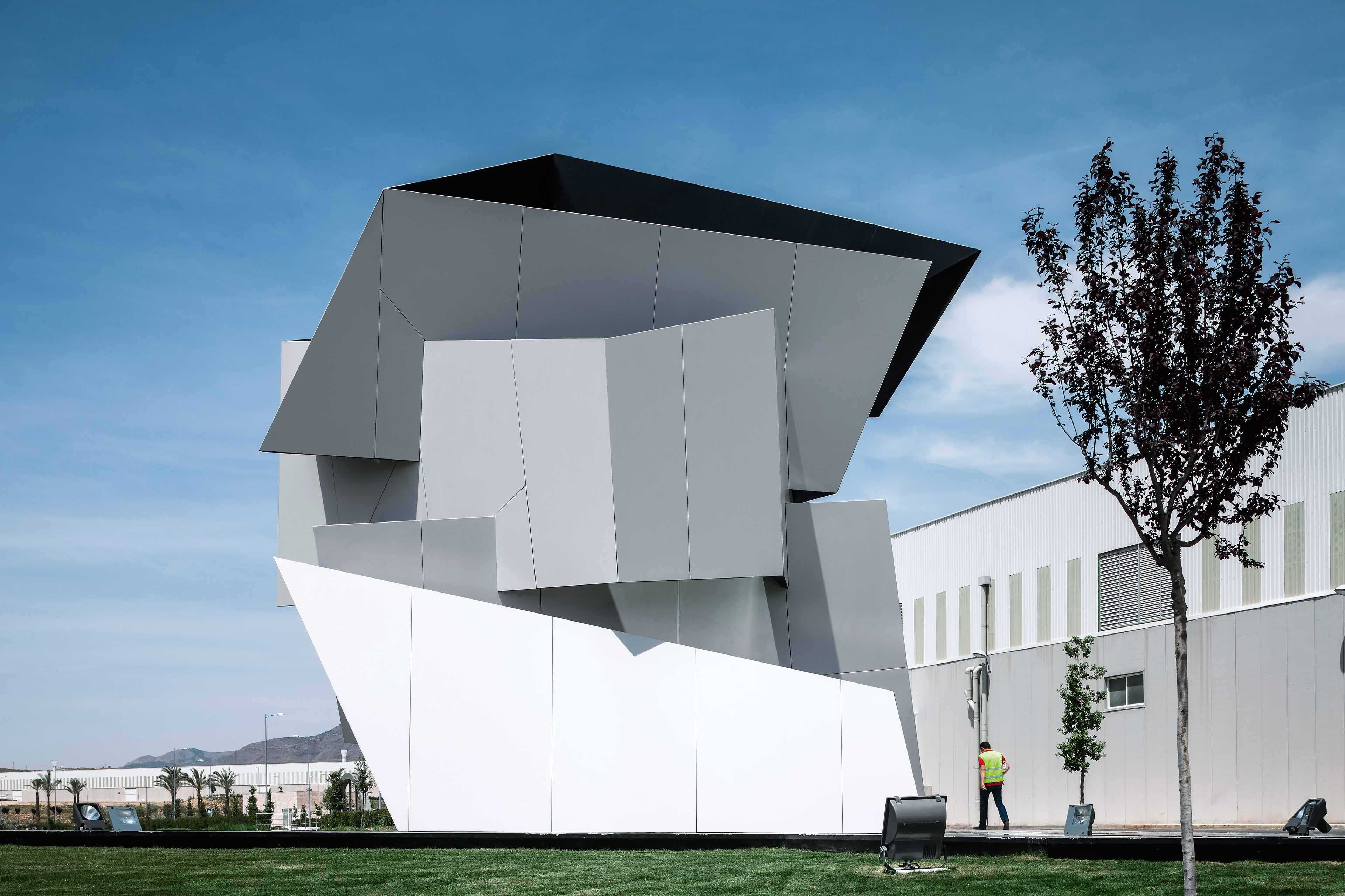 Daniel Libeskind's Sculptures  - Libeskind Alda 35