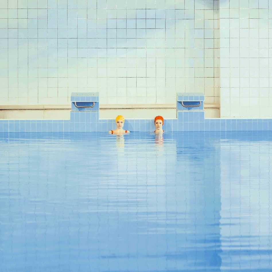 María Svarbova's Photographies  - SV2A0555 azul 36