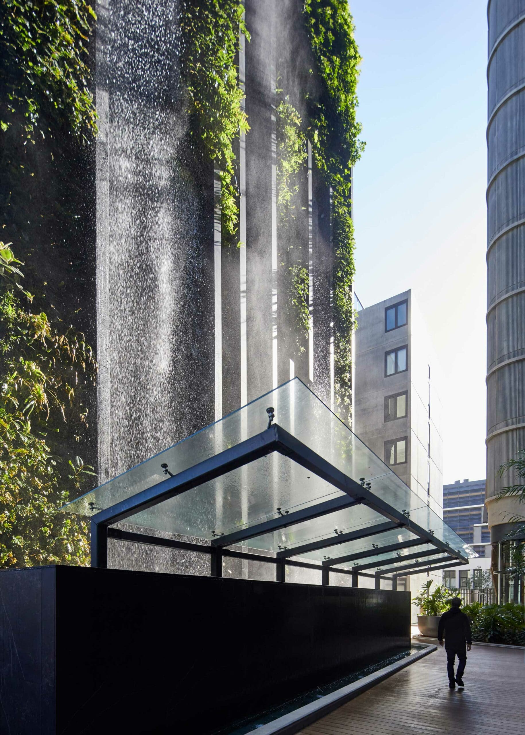 Urban waterfall  - Waterfall Dekton 1 scaled 57