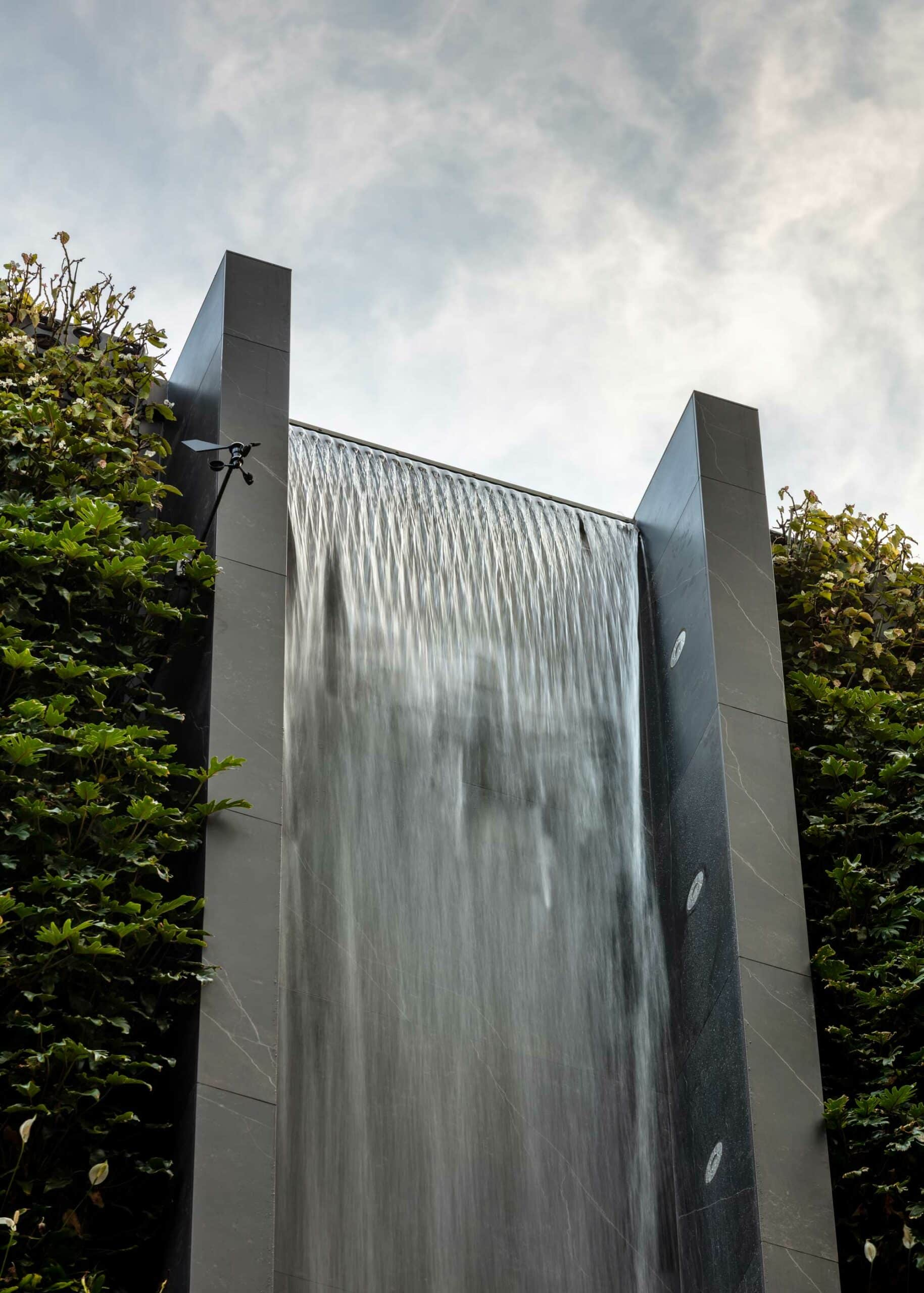 Urban waterfall  - Waterfall Dekton 5 scaled 348