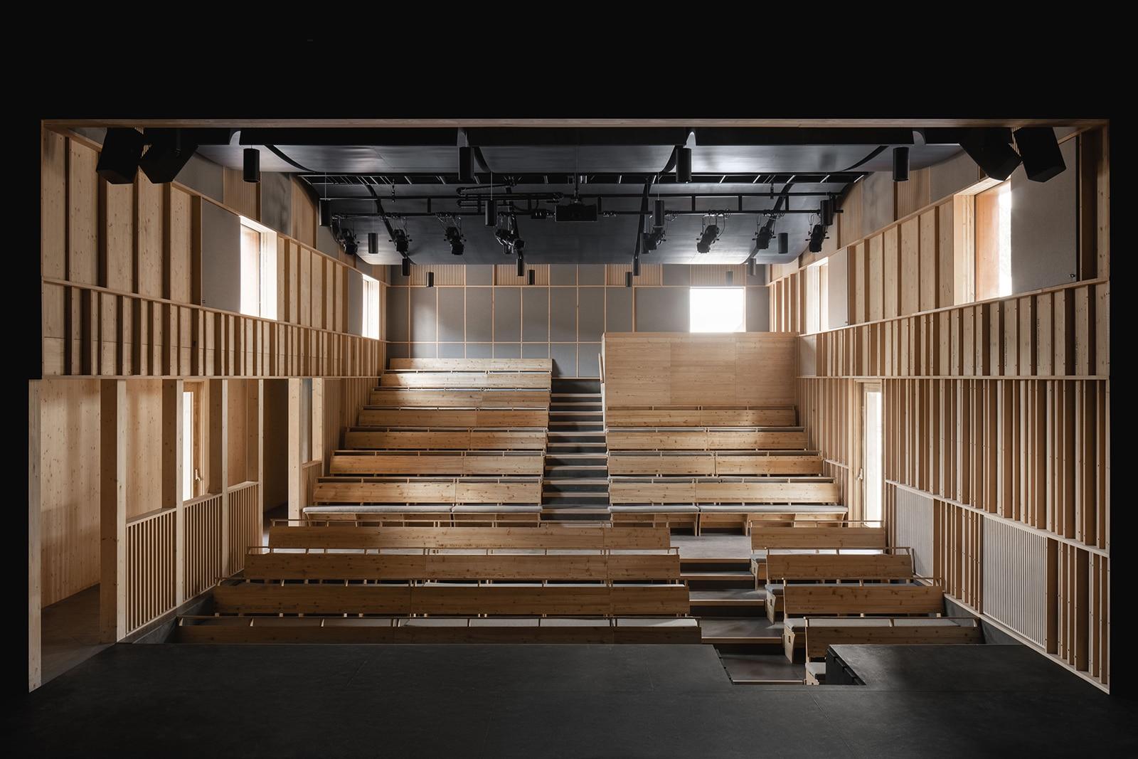 David Brownlow Theatre  - 4.2 Nick Dearden 1 41