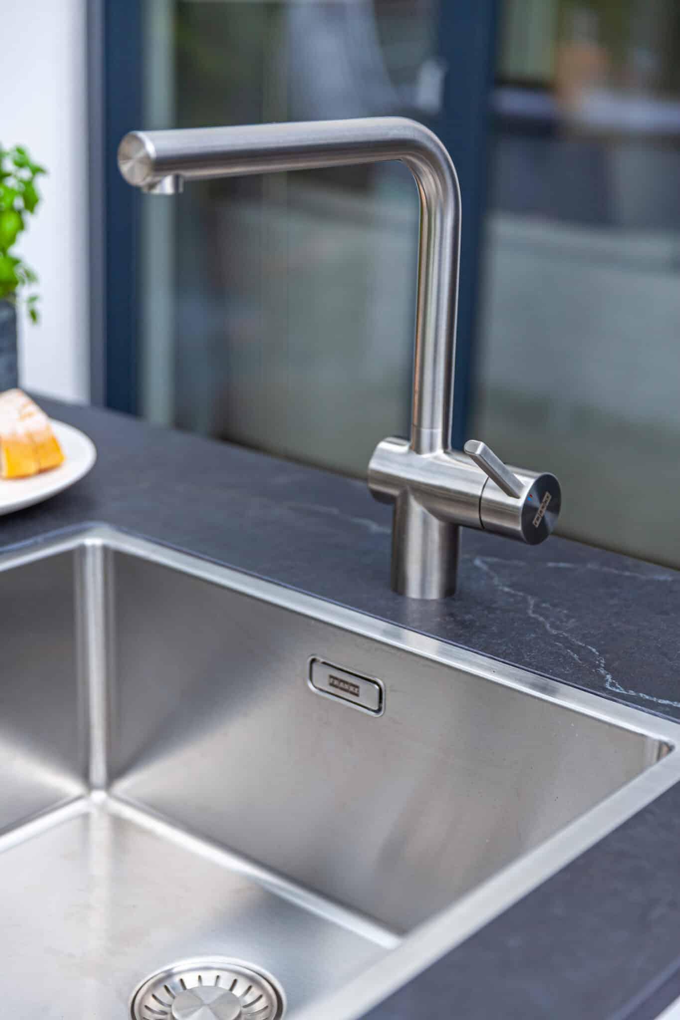 Exterior residential kitchen  - Belmento 4 57