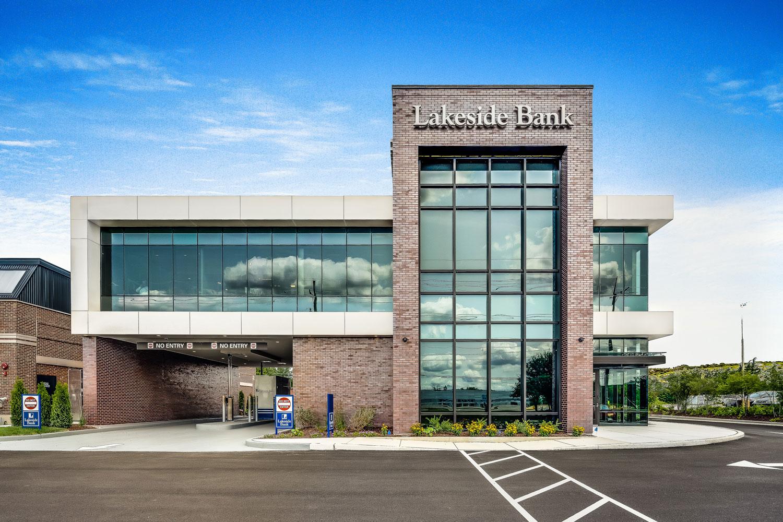 Lakeside Bank  - Cosentino Illinois 4 Facades 23 52